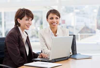 http://ilulcreative.files.wordpress.com/2010/03/wanita-karir-luarlgoldberglaw.jpg